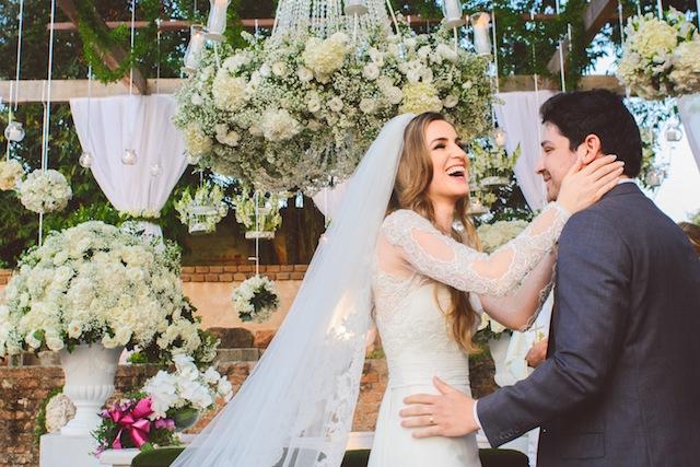 Mari e Tadeu Vestida de Noiva sm-111